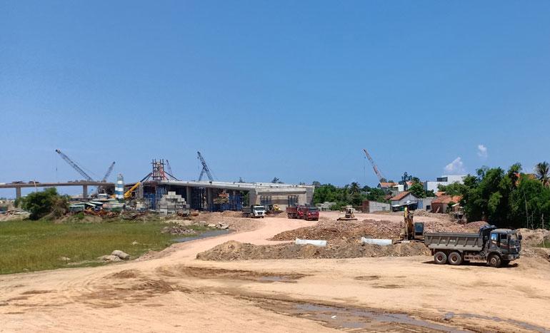 Thi công dự án Nút giao thông khác mức đường số 2 Khu đô thị Nam Tuy Hòa - đường Nguyễn Văn Linh